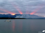 Photos d'Australie: Rayons de soleil entre montagne et nuages