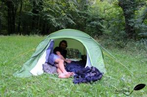 Tente sur une pelouse