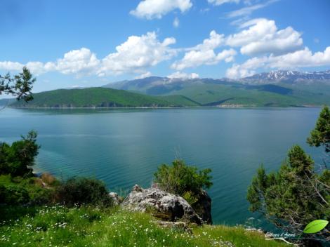 Vue sur les montagnes albanaises depuis Golem grad