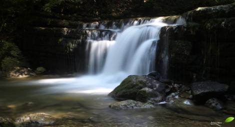 Une des cascades du Hérisson: le gour bleu
