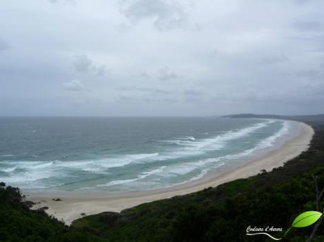plage à Byron Bay sous la pluie
